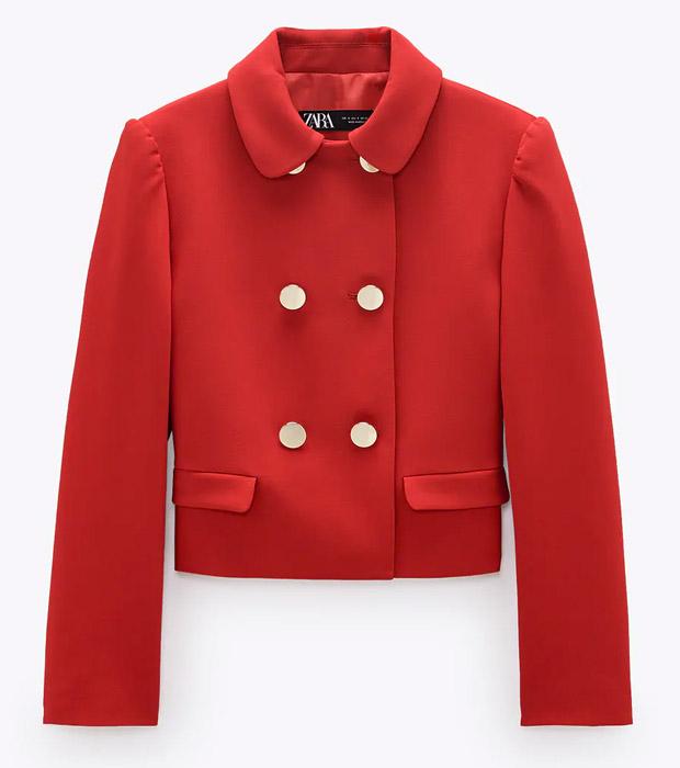 Blazer de Zara roja con cuello bobo