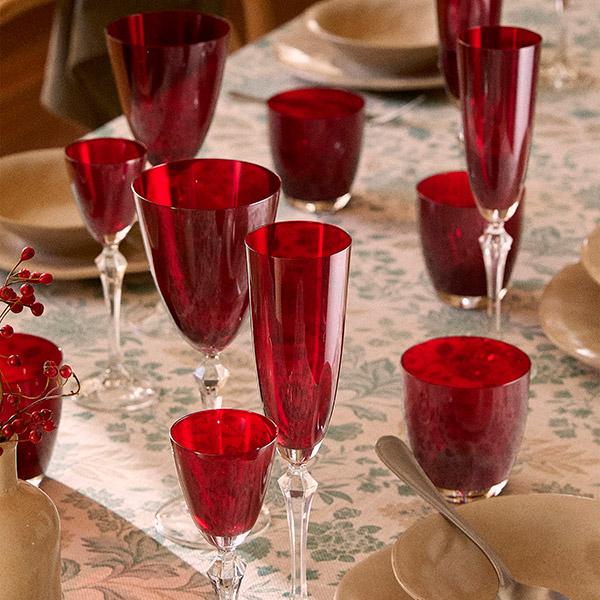 Copas rojas para mesa de navidad