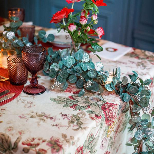 Guirnalda de eucalipto para mesa de navidad