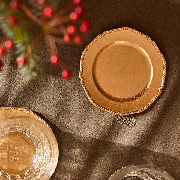 Platos de pan para mesa de navidad