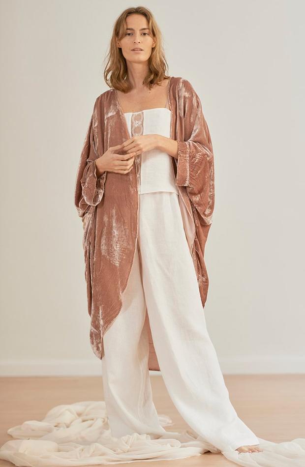 Conjunto de bata y pijama de Dreaming Habits Lencería para novias