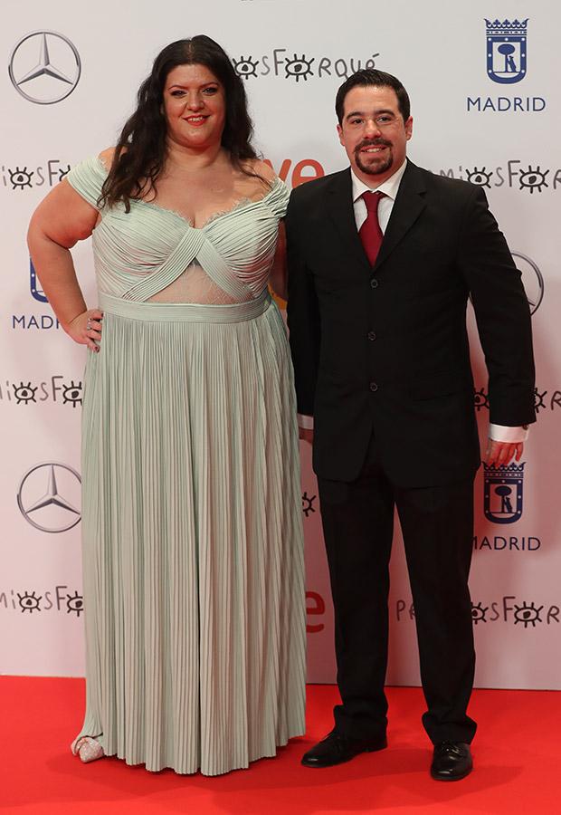 Coria Castillo y su acompañante en los Premios Forqué 2021