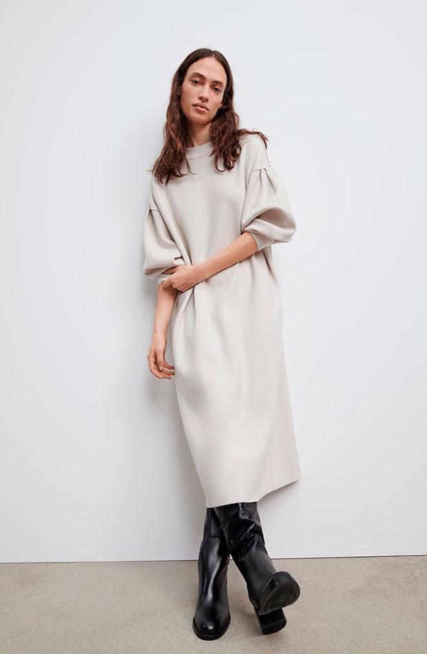 mangas abullonadas Vestido largo beige de Zara