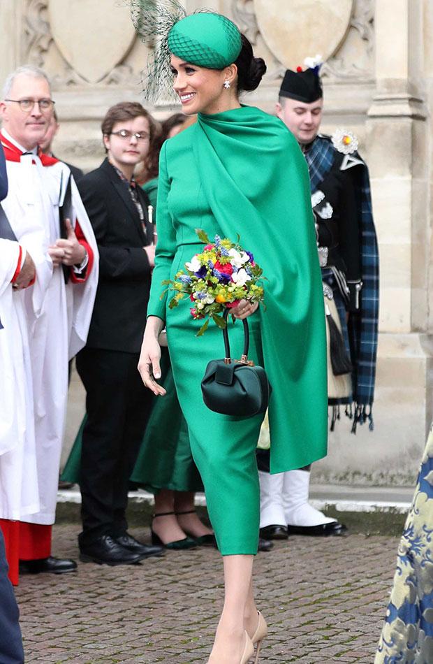 Meghan Markle vestido y tocado en color verde