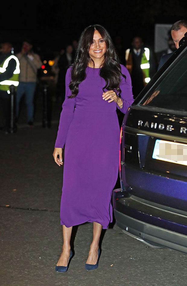 Meghan Markle vestido morado púrpura