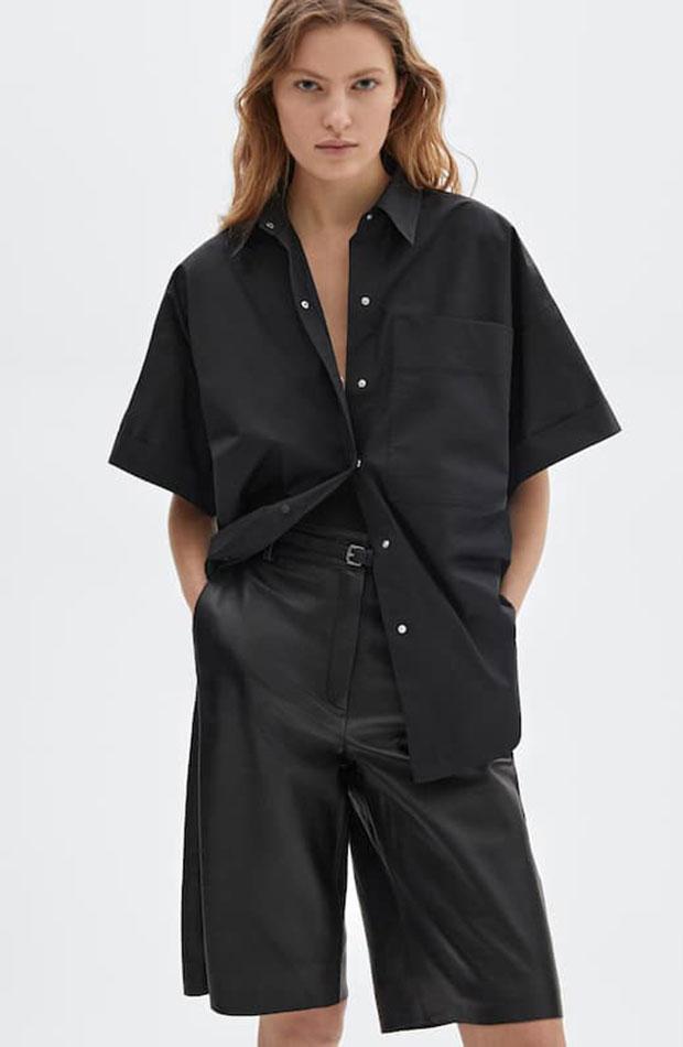 novedades de Massimo Dutti Bermudas de piel negras Camisa negra de popelín