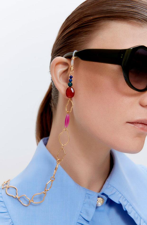 lo nuevo de Uterqüe Porta gafas con piedras y elementos de colores