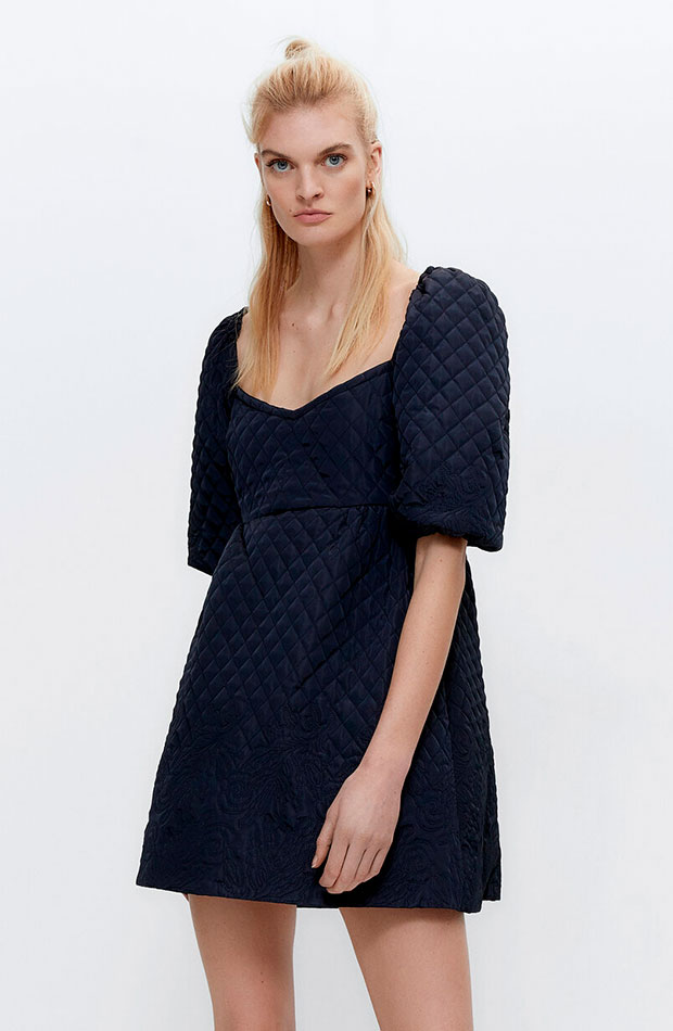 lo nuevo de Uterqüe Vestido acolchado corto azul marino