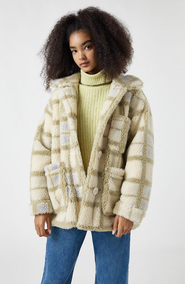prendas con borreguito Abrigo de Pull & Bear cuadros