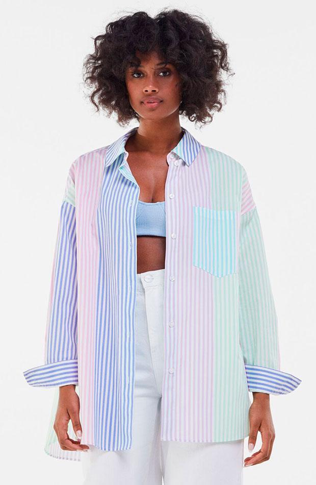 Camisa oversize de rayas de colores de Bershka prendas de entretiempo