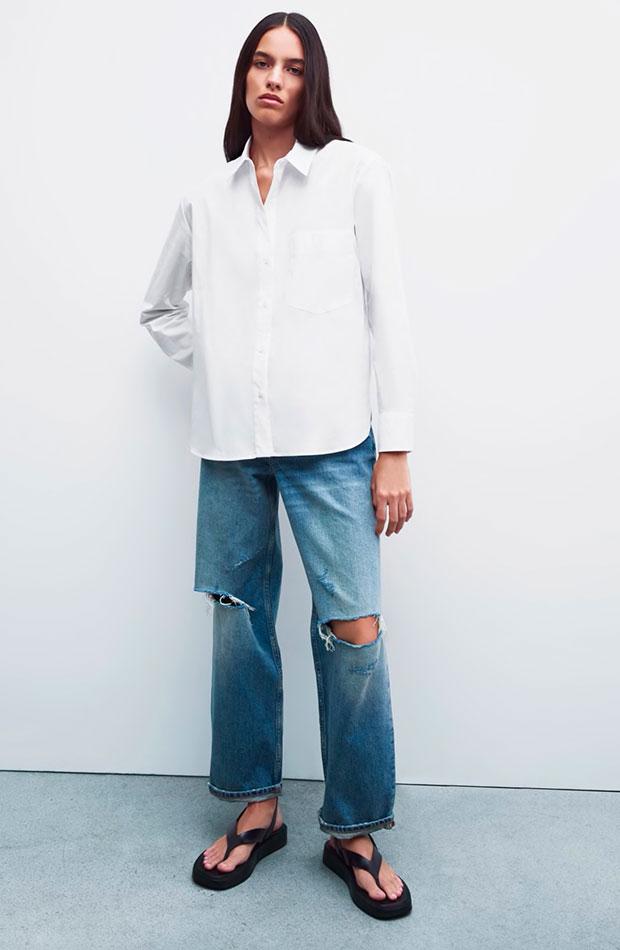 Camisa oversize blanca de Zara prendas de entretiempo