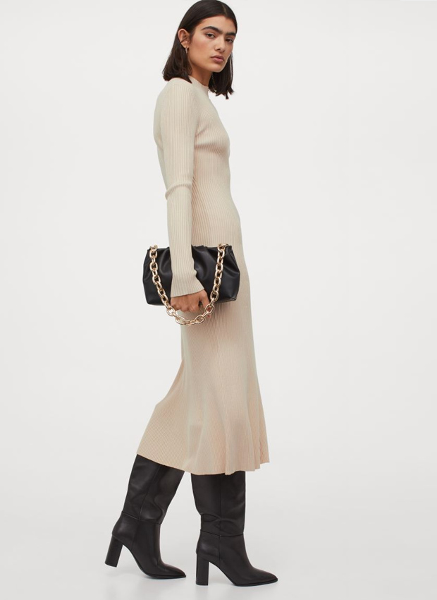 Vestido de canalé en tonos claros