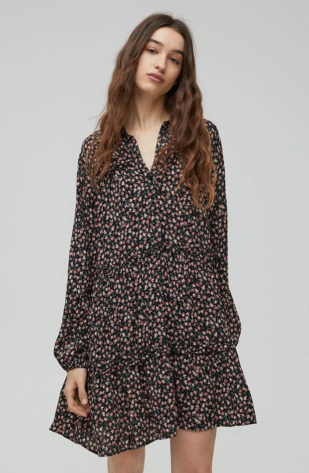 ropa para trabajar con estilo Vestido de flores de Pull & Bear