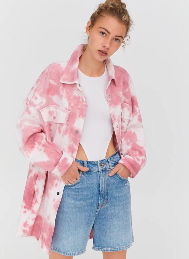 Sobrecamisa rosa de efecto tie dye