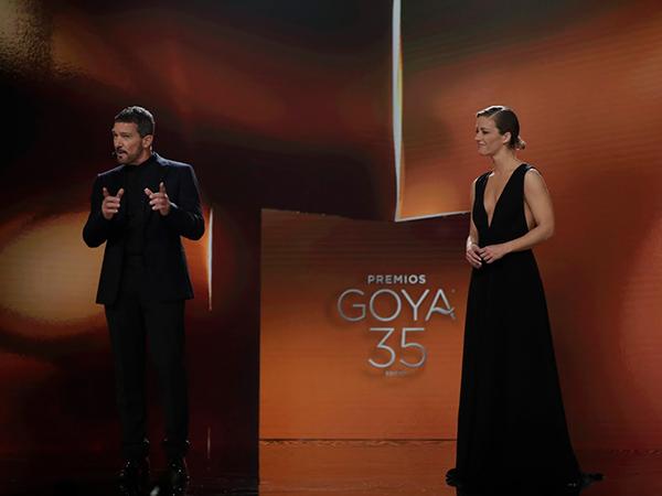 mejores momentos de la gala de los Goya 2021 maria casado y antonio banderas
