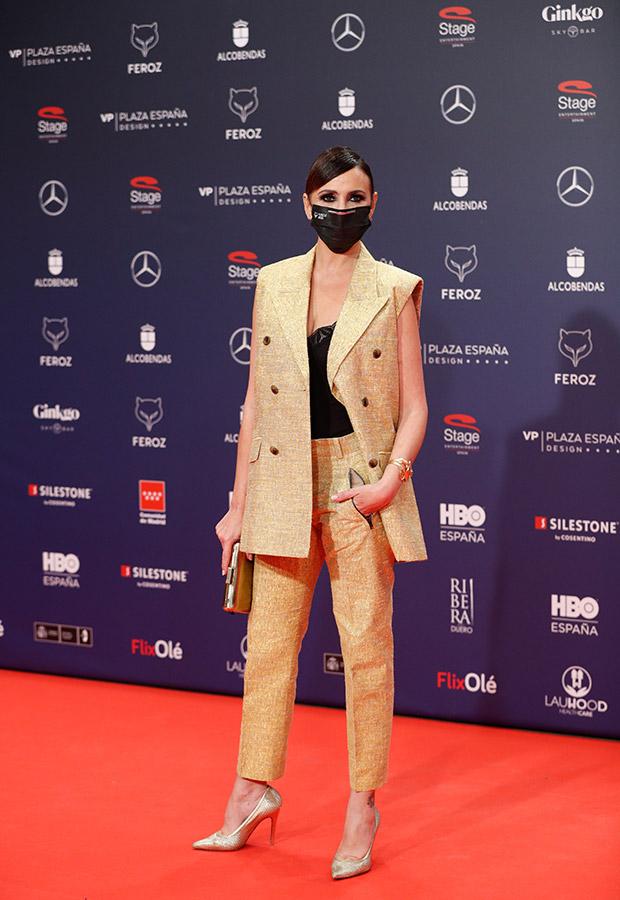 Melani Olivares en la alfombra roja de los Premios Feroz 2021