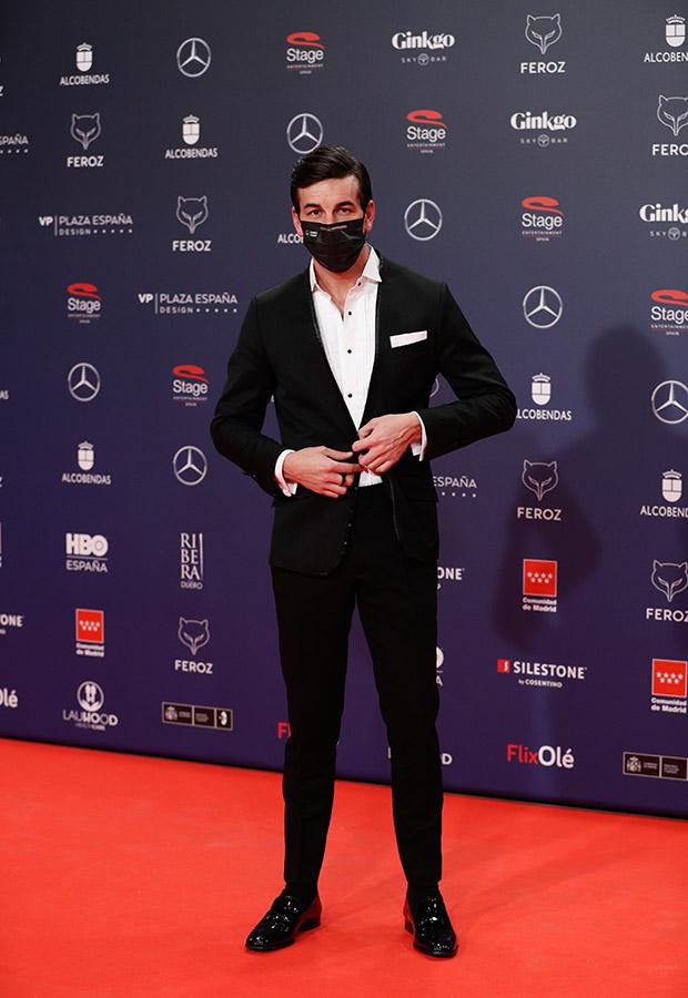 Mario Casas en la alfombra roja de los Premios Feroz