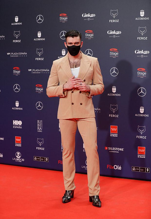 Fernando Valdivieso en la alfombra roja de los Premios Feroz