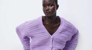 Las prendas y accesorios en color lila irrumpen en nuestros looks