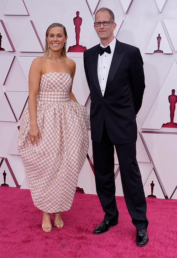 Dana Leigh Murray y Pete Docter en la Alfombra roja de los Premios Oscar 2021