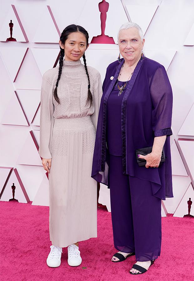 Chloé Zhao y Charlene Swankie en los oscar 2021