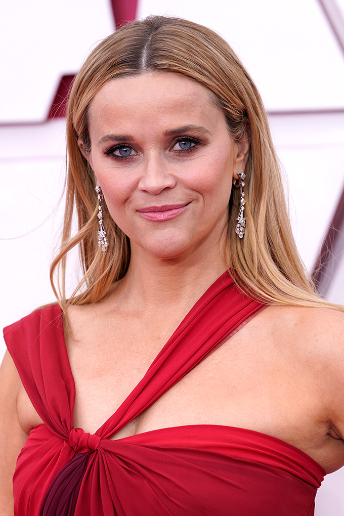looks beauty oscars 2021 Reese Witherspoon
