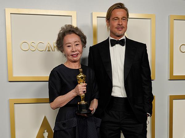 mejores momentos de la gala de los Oscars 2021 brad pitt