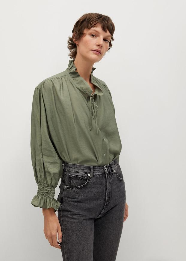 Blusa verde de las mid season sales de Mango
