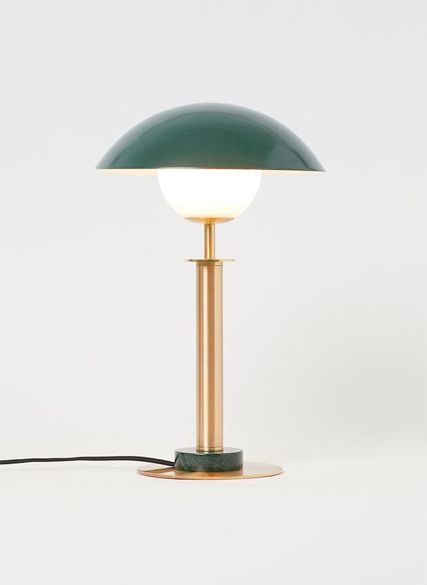 Lámpara de mesa de metal de las novedades H&M Home