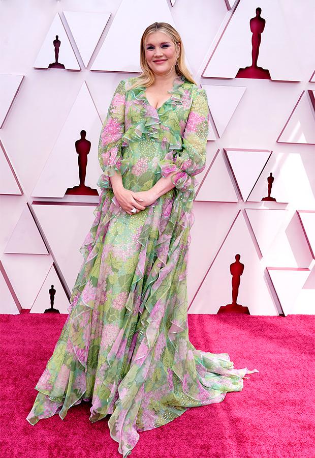 Emerald Fennell en la Alfombra roja de los Premios Oscar 2021