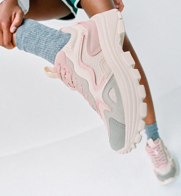 zapatillas deportivas baratas de Zara