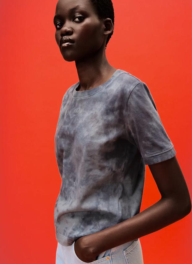 camiseta de zara de estampado tie dye
