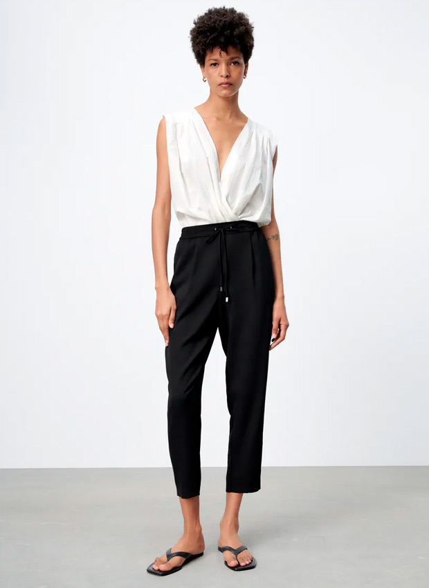 Pantalones fluidos negros de Zara