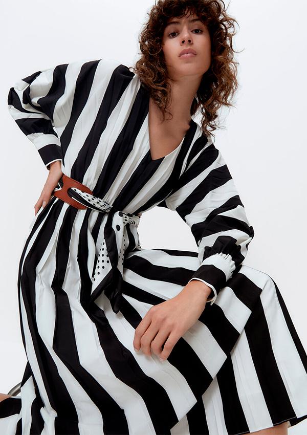 Vestido plisado de rayas marineras
