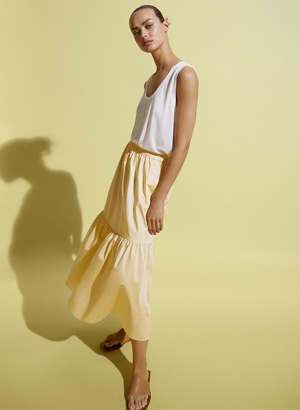 Falda con volantes de lo nuevo de Massimo Dutti de verano