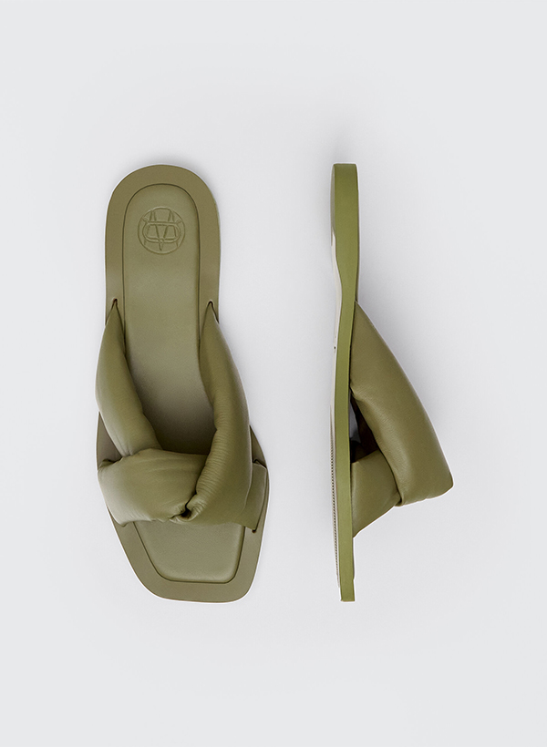 Sandalias acolchadas de lo nuevo de Massimo Dutti de verano