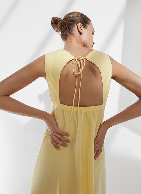 Vestido espalda descubierta de lo nuevo de Massimo Dutti de verano