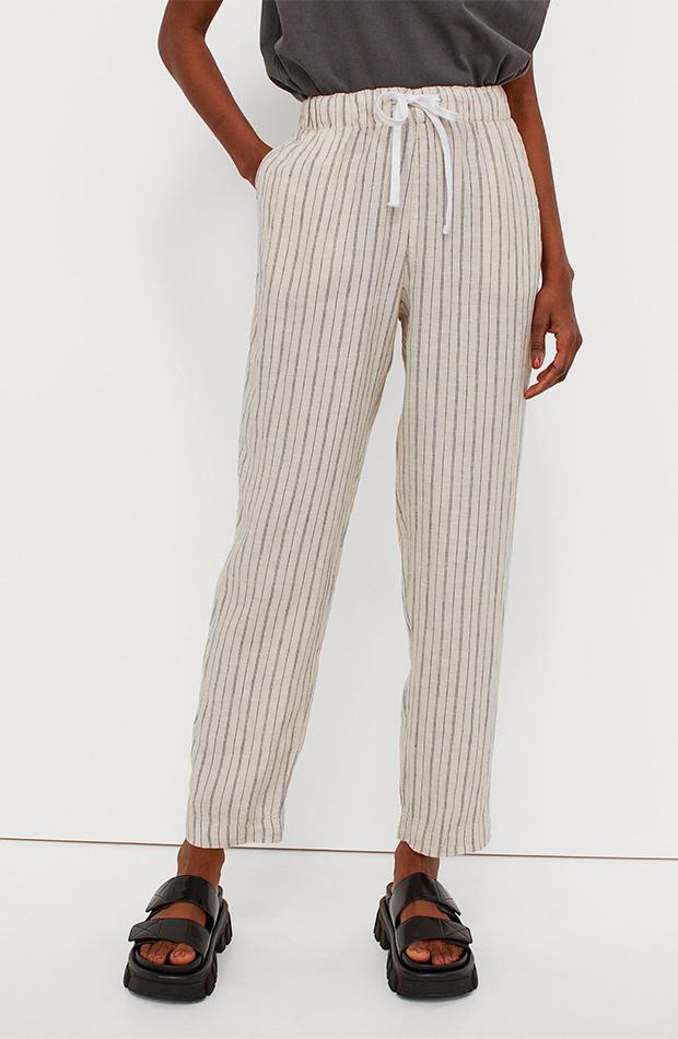 Pantalones de rayas de las rebajas de verano de H&M