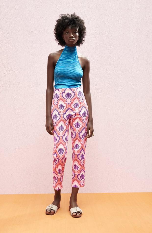 Pantalones estampados de las rebajas de verano de Zara