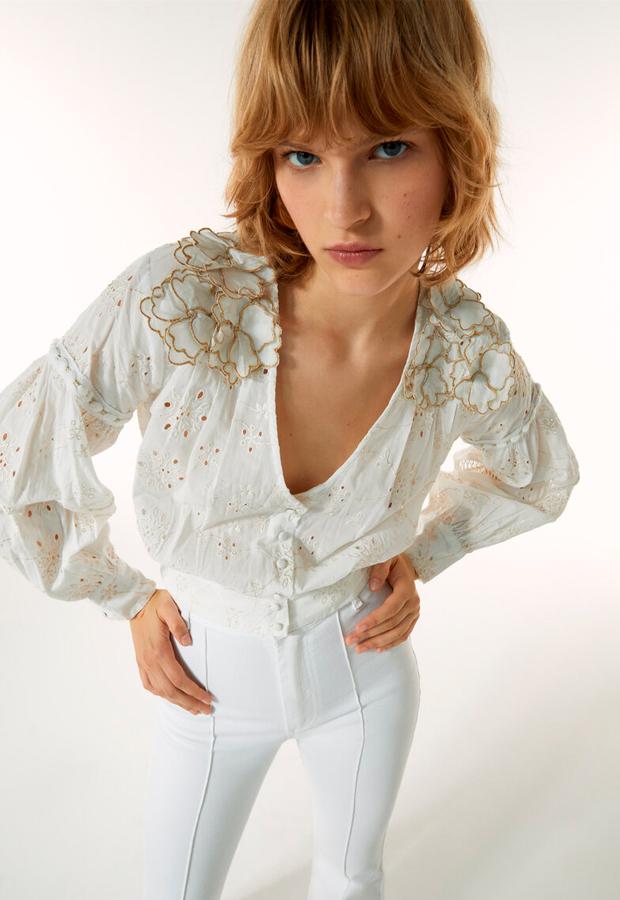 Camisa de manga larga con brodados