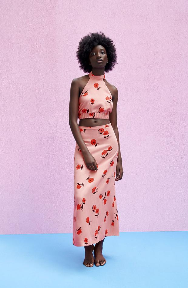 faldas de zara Midi de flores rosas y rojas