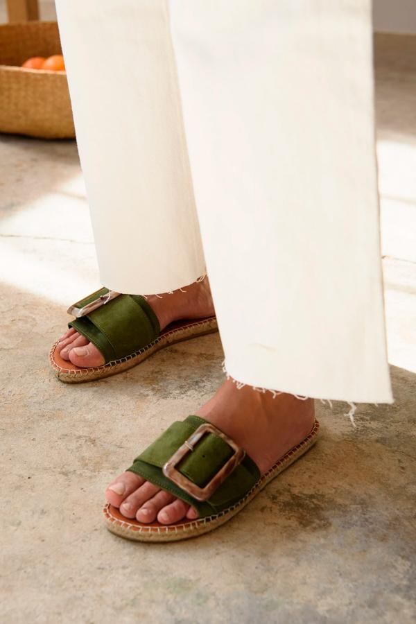 Sandalias en verde de Muscari