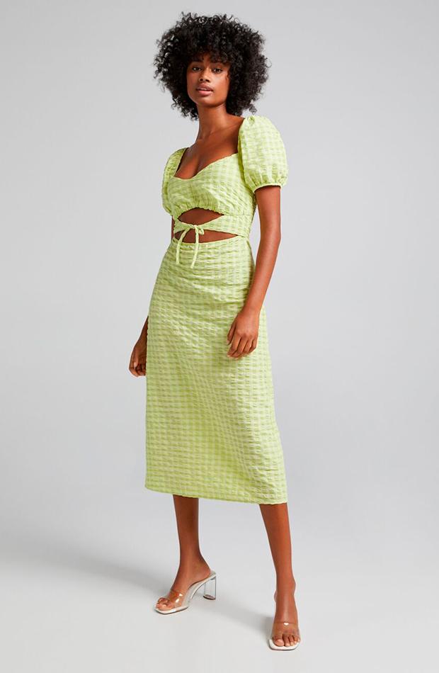 prendas sofisticadas Vestido verde cut out de Bershka