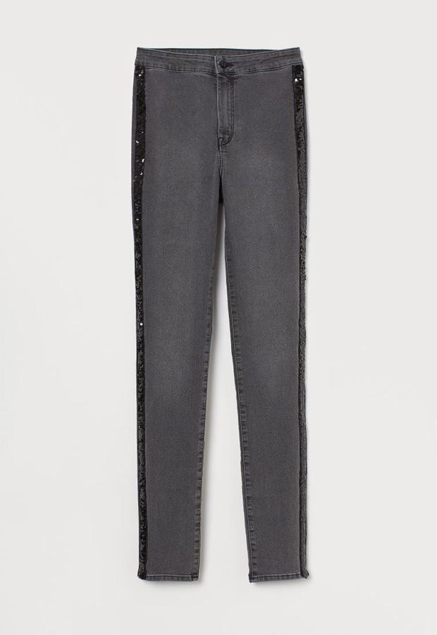 Jeans gris oscuro con detalles de lentejuelas
