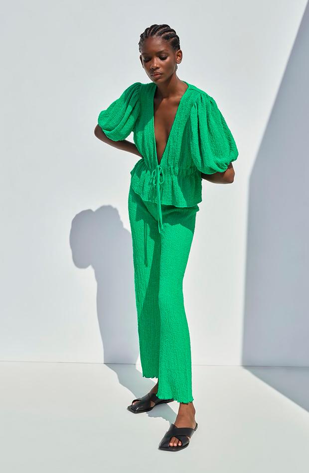 novedades de Zara Conjunto verde