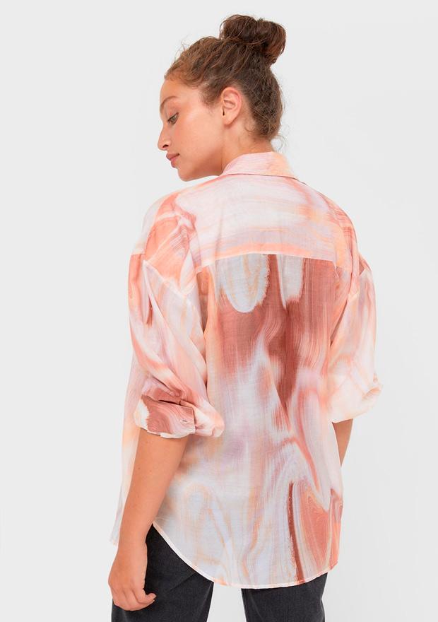 Camisa con estampado efecto mármol