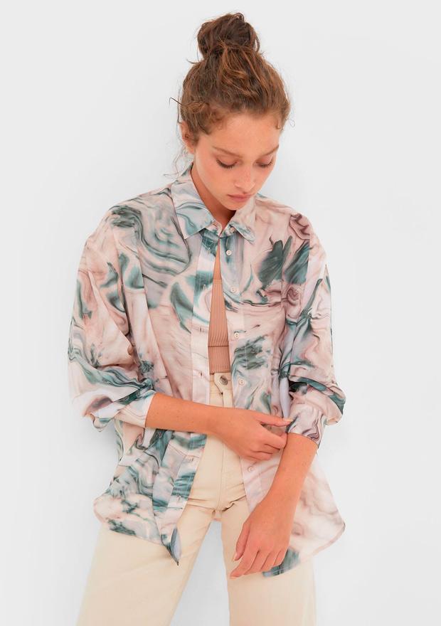 Camisa con estampado efecto mármo