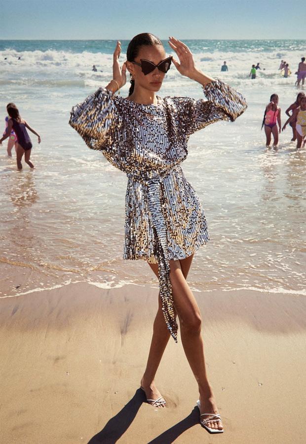 Vestido de lentejuelas metalizadas de Zara