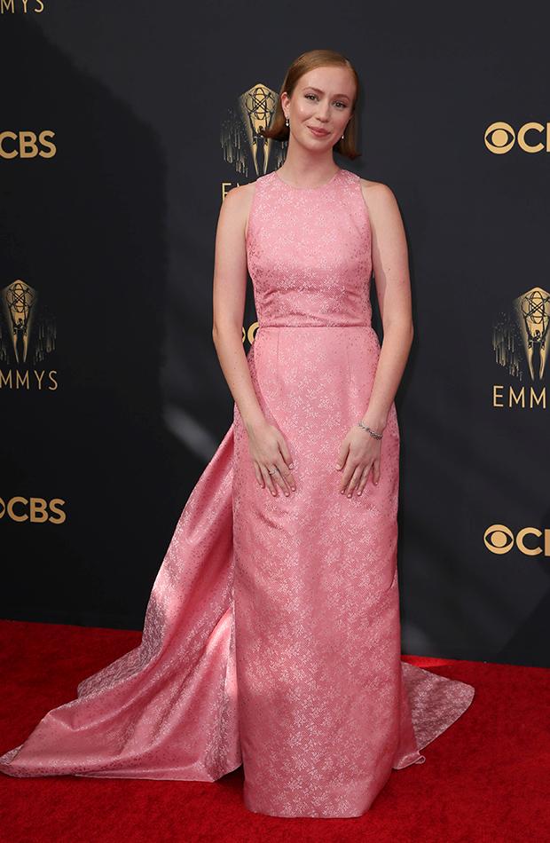 Hannah Einbinder alfombra roja Emmys 2021