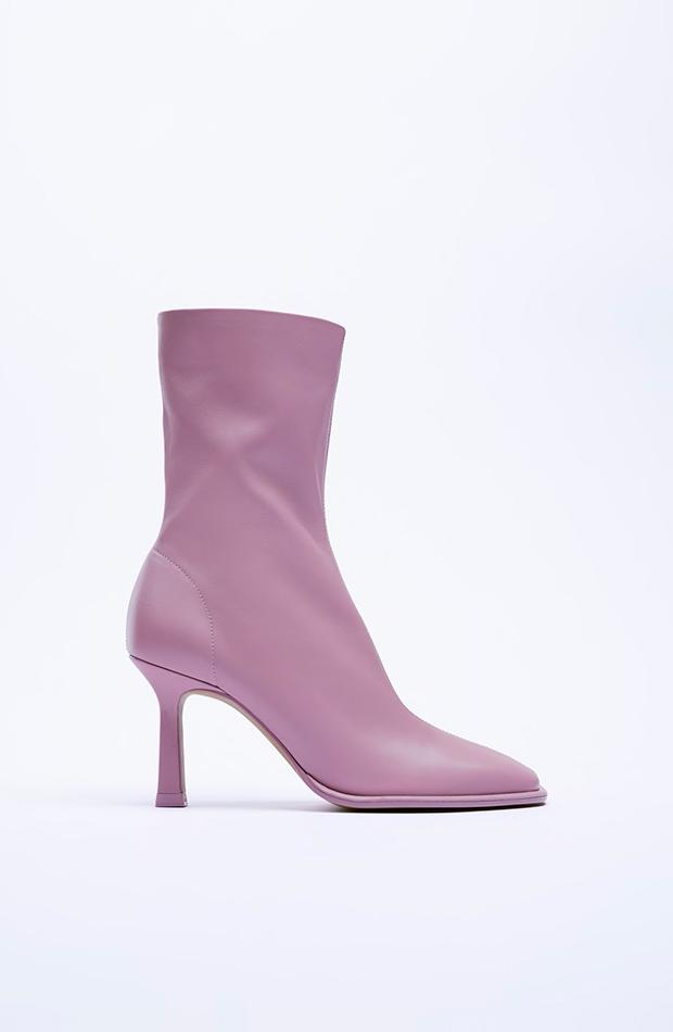 Botas y botines Botines lila de Zara